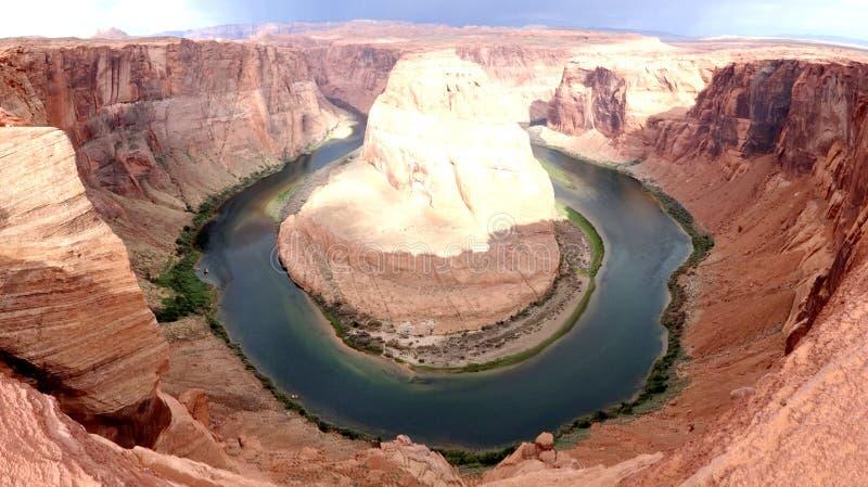 Hästskokrökning, en slingringar av Coloradofloden royaltyfria bilder