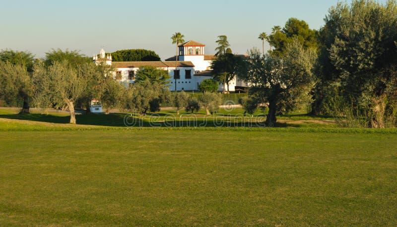 Häuschen auf Golfplatz lizenzfreies stockbild