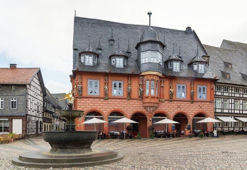 Häuser auf dem Marktplatz in Goslar, Deutschland stockfotografie