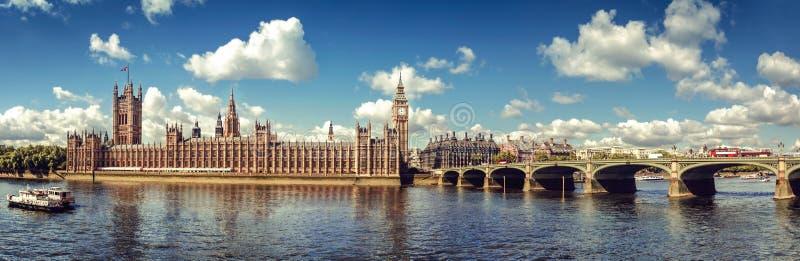 Häuser des Parlaments-Panoramas lizenzfreies stockfoto