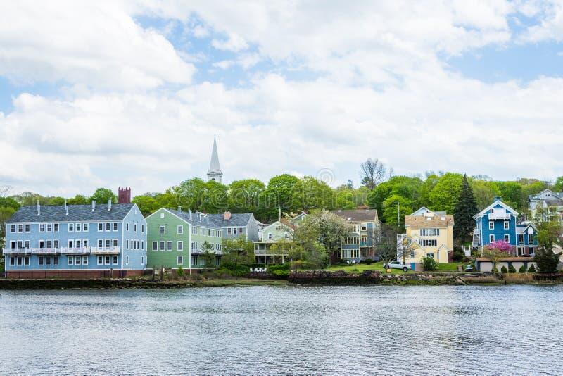 Häuser im Quinnipiac-Fluss-Park in New-Haven Connecticut lizenzfreie stockfotos