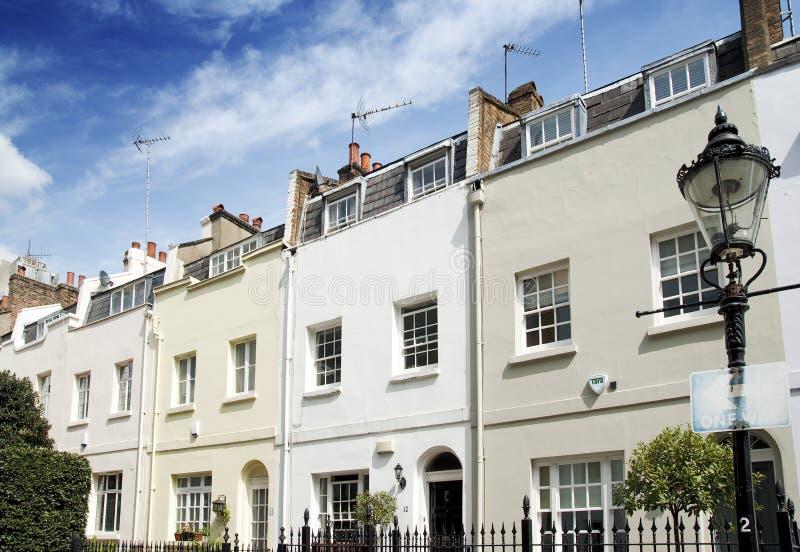 Häuser in Knightsbridge, London lizenzfreie stockfotografie