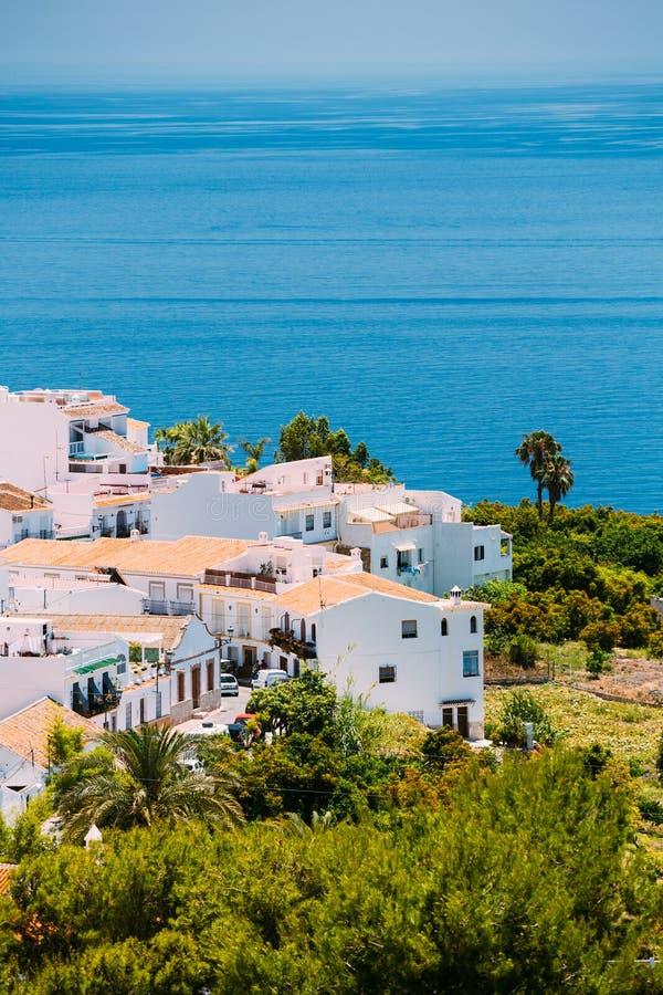 Häuser in Nerja, Màlaga Provinz, Andalusien, Spanien lizenzfreie stockfotos