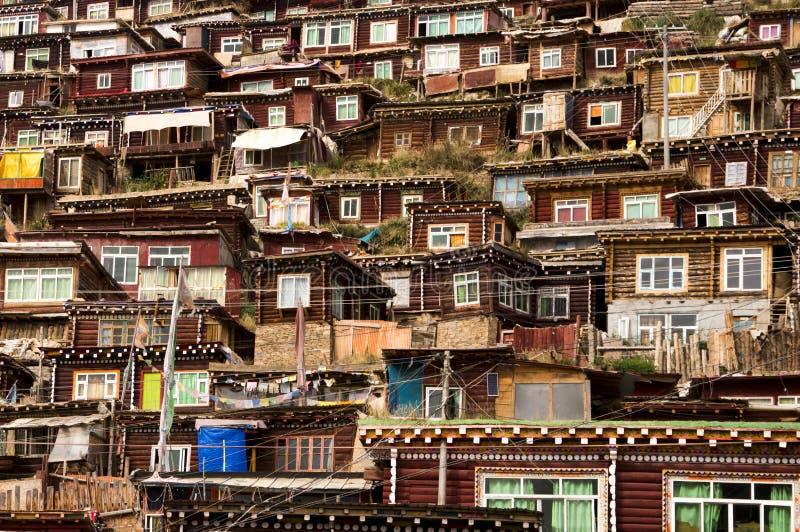 Häuser von tibetanischen Mönchen lizenzfreie stockfotos