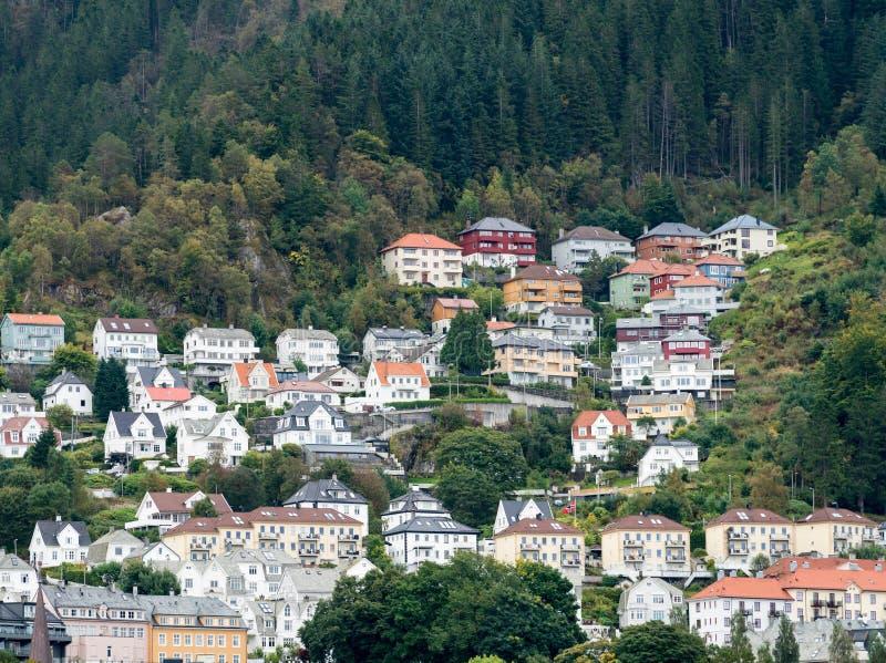 Häuser zeichnen den Dockside in Bergen lizenzfreies stockbild