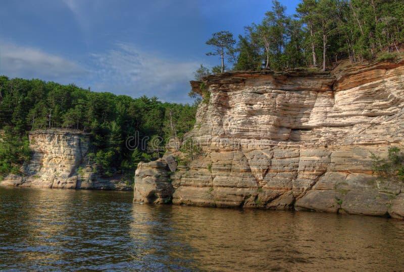 Häxabergsklyftan är en gömd dragning i Wisconsin Dells och kan royaltyfria bilder
