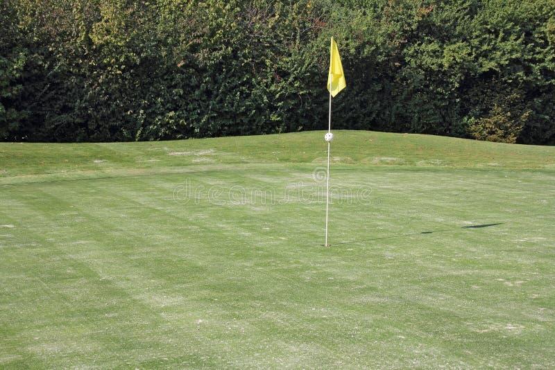 Download Hål av golf arkivfoto. Bild av nedgång, fritid, äng, lekplats - 27275050