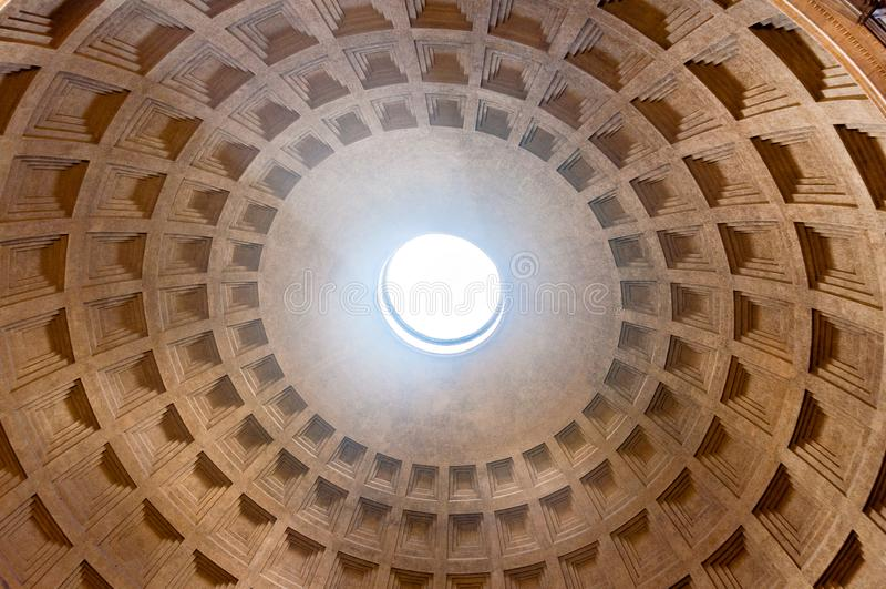 Hålet i panteon royaltyfria foton