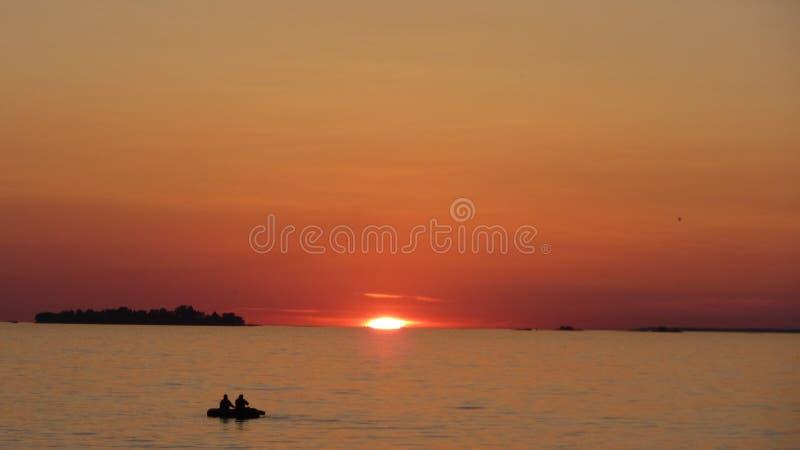 hålla ögonen på för solnedgång royaltyfri foto