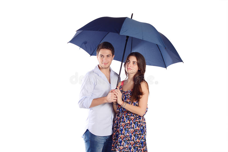 hållande paraply för par royaltyfri bild