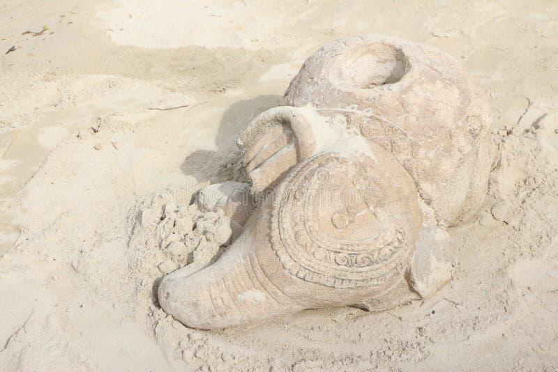 Hållare för paraply för elefantShape keramik i sommarferier royaltyfri fotografi