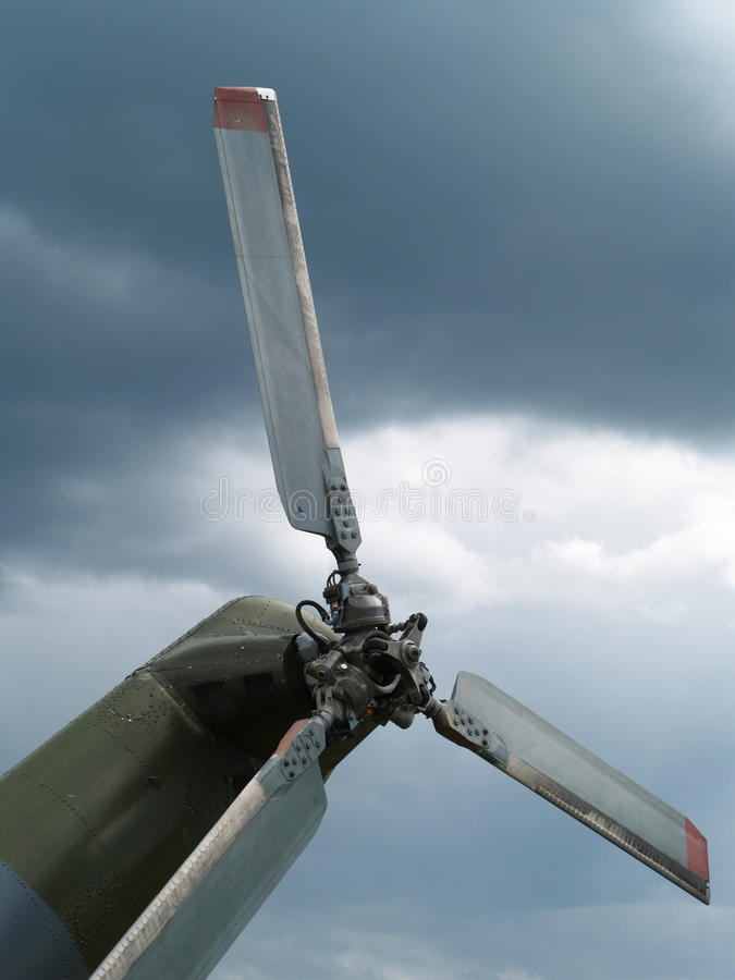 Download Hélice do helicóptero imagem de stock. Imagem de céu - 10054247