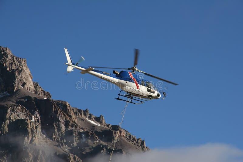 Hélicoptère d'Aconcagua photographie stock libre de droits