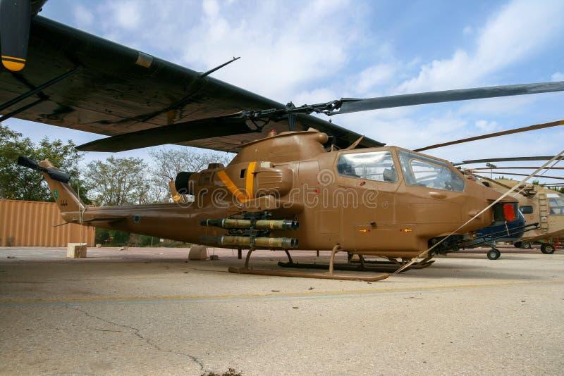 Hélicoptère de combat israélien de cobra de Bell AH-1 de l'Armée de l'Air photo stock