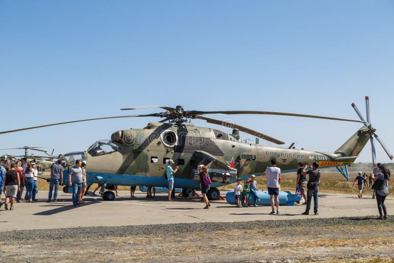 Hélicoptère de combat russe moderne MI-35M photographie stock libre de droits