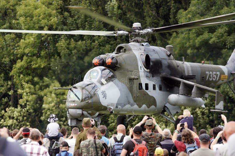Hélicoptère de combat tchèque du mil Mi-24V de l'Armée de l'Air image libre de droits