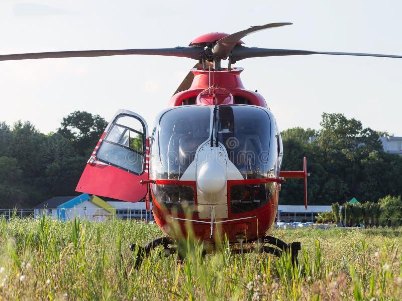 Hélicoptère de délivrance image stock