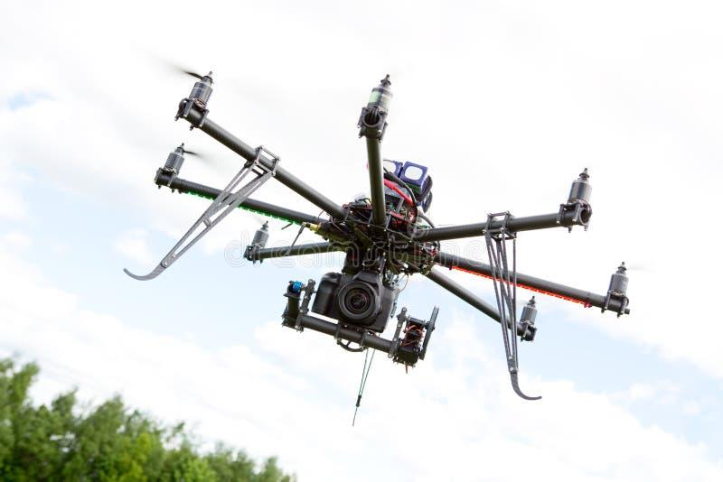 Hélicoptère de photographie de Multirotor images libres de droits