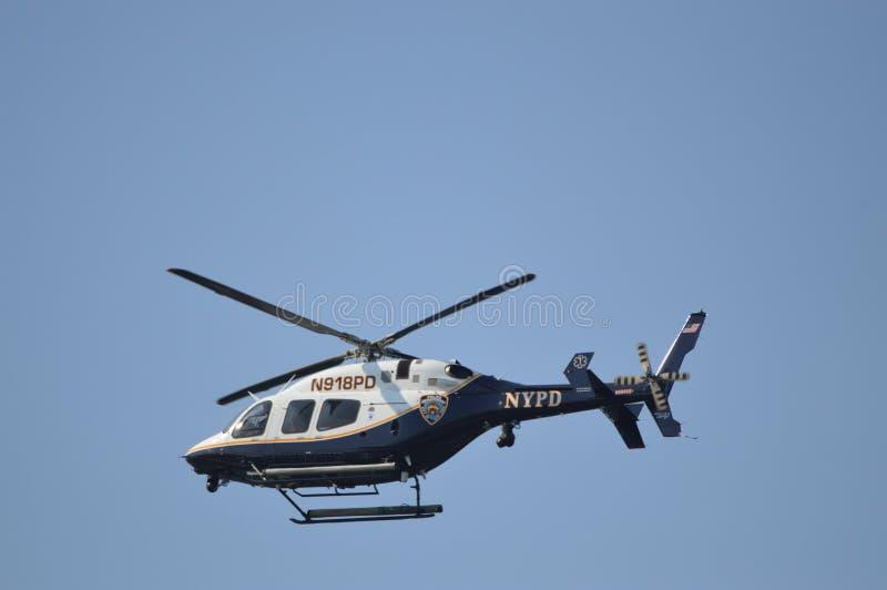 HÉLICOPTÈRE DE POLICE DE NYPD photo libre de droits