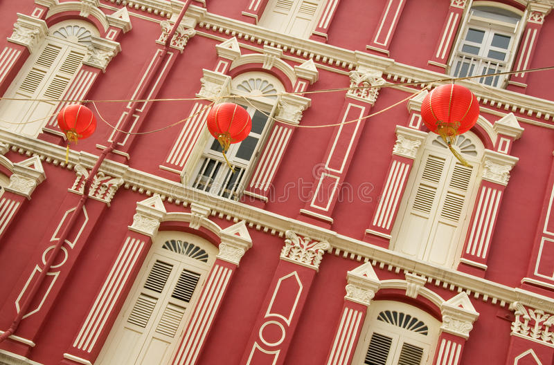Héritage coloré Windows et lanternes chinoises, Singapour photos libres de droits