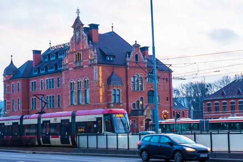 Hôtel central près de la gare ferroviaire principale de Danzig Pologne photos libres de droits