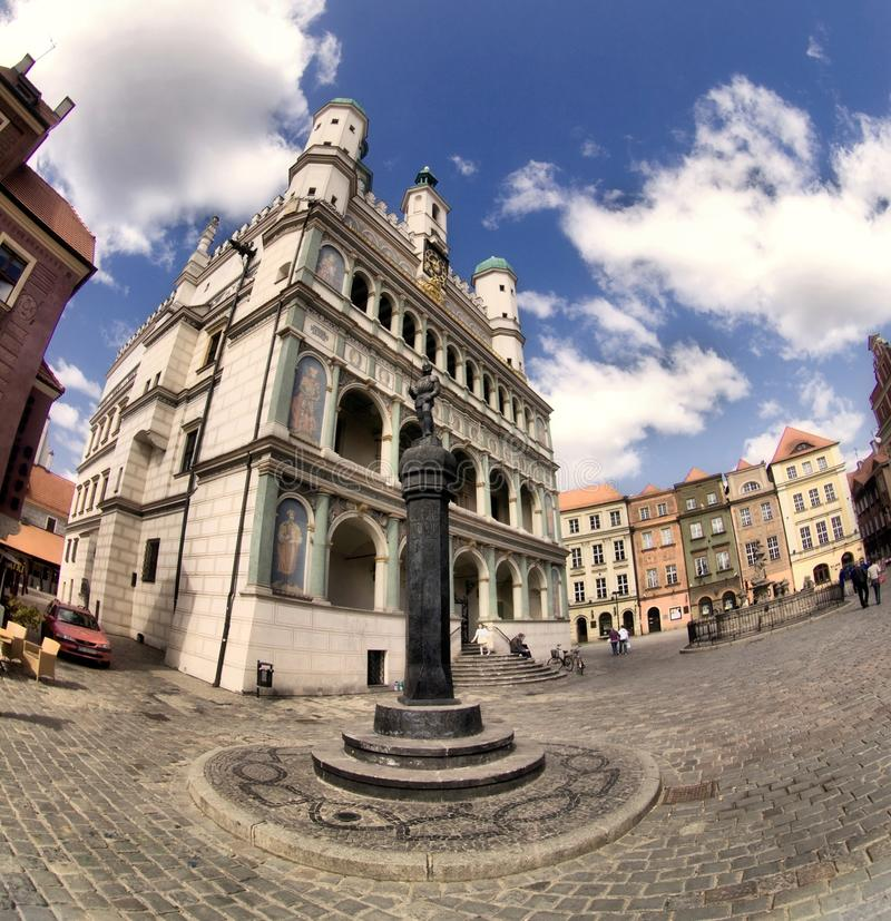 Hôtel de ville de Poznan et vieille ville photo libre de droits
