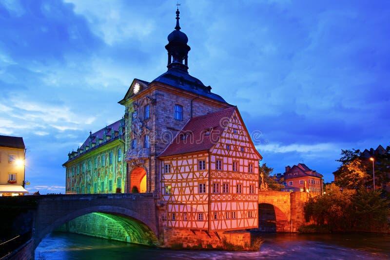 Hôtel de ville médiéval sur la Bavière de Bamberg de passerelle photo stock