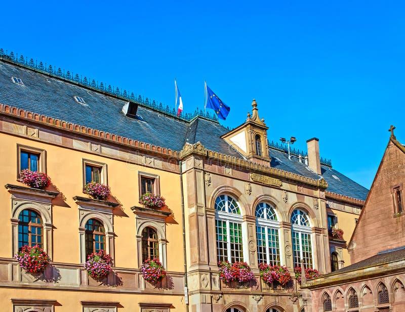 Hôtel de ville de style de la Néo--Renaissance dans Obernai, près de Strasbourg, Alsace, France image libre de droits
