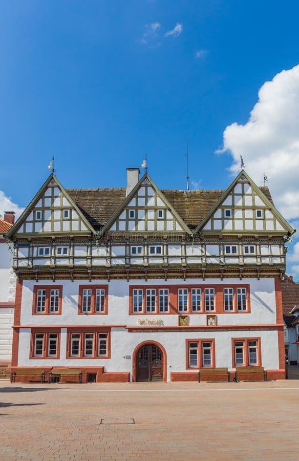 Hôtel de ville sur la place centrale de Blomberg images stock