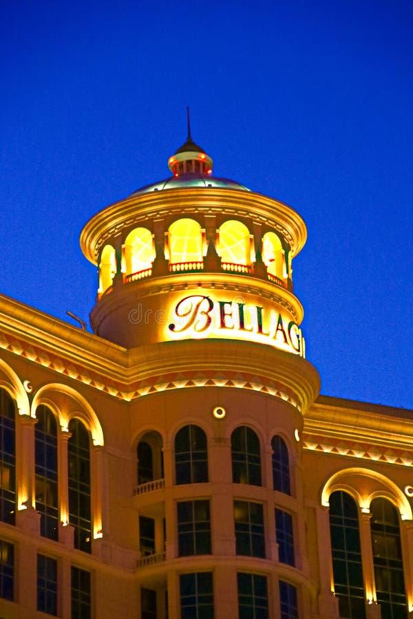 Hôtel et casino de Bellagio avec la plate-forme supérieure de l'extérieur de couronne image stock