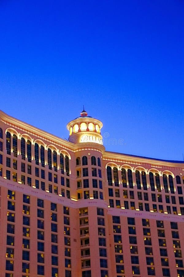 Hôtel et casino de Bellagio avec la plate-forme supérieure de l'extérieur de couronne photos stock
