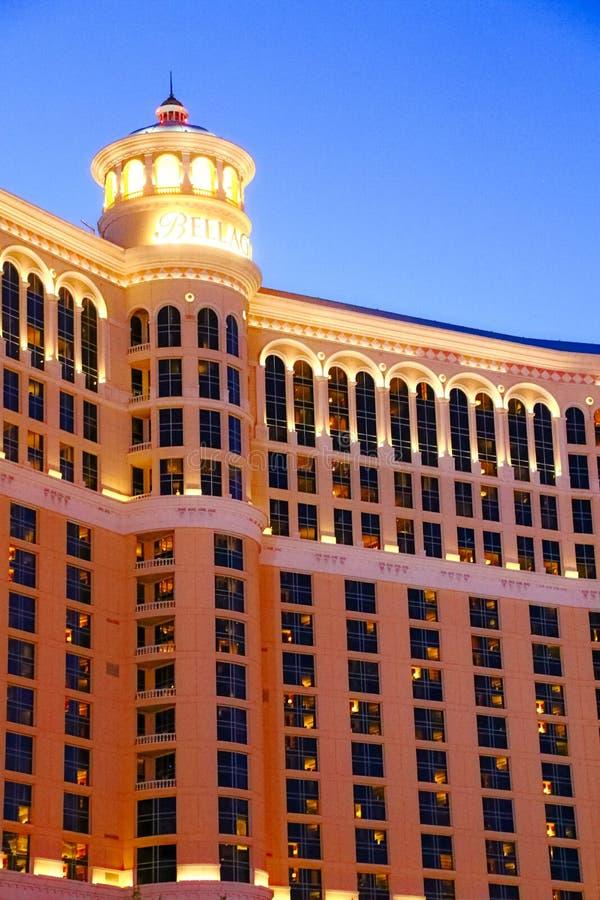 Hôtel et casino de Bellagio avec la plate-forme supérieure de l'extérieur de couronne photographie stock libre de droits