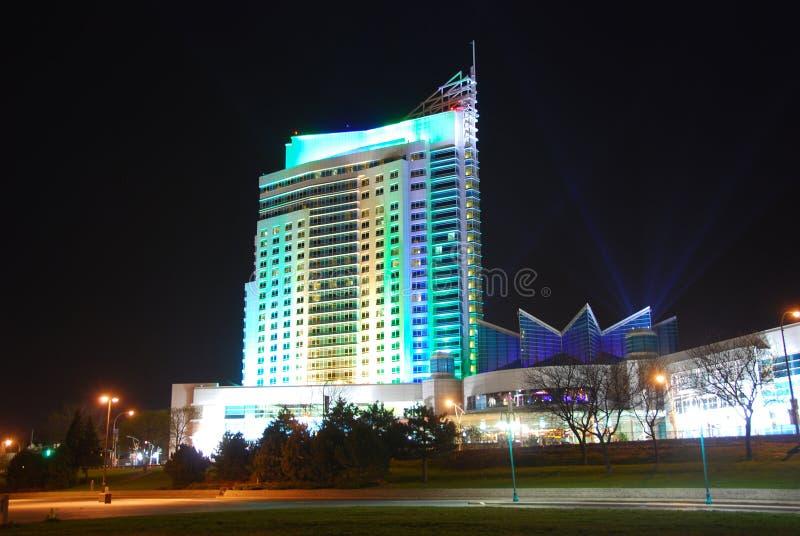 Hôtel et casino la nuit photographie stock