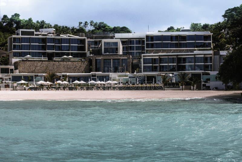 Hôtel et station thermale cramoisis à Boracay image stock