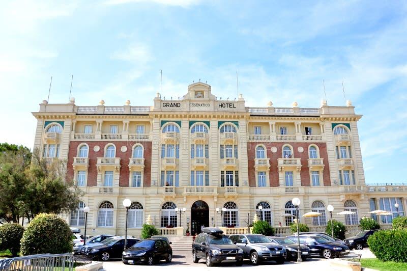 Hôtel grand dans Cesenatico, Italie image stock