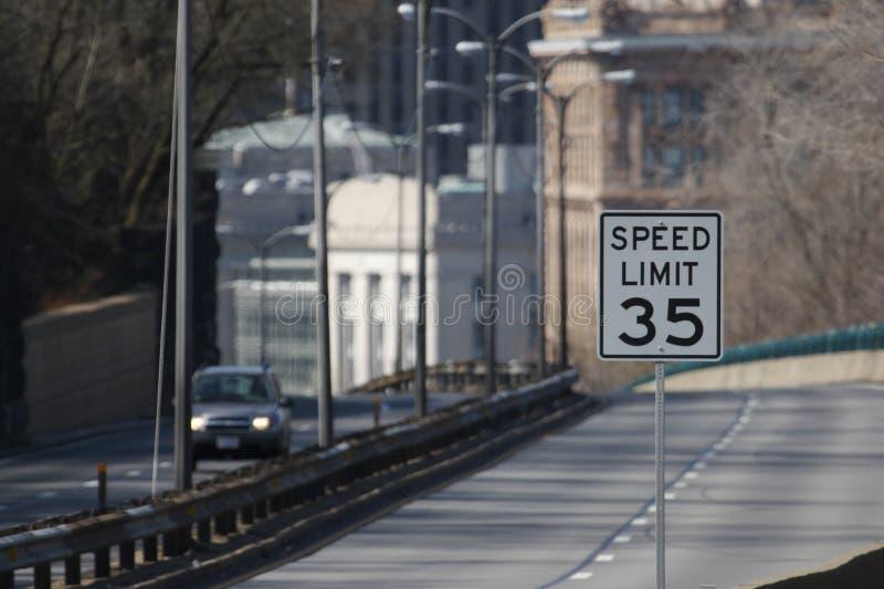 Höchstgeschwindigkeit 35 stockbilder