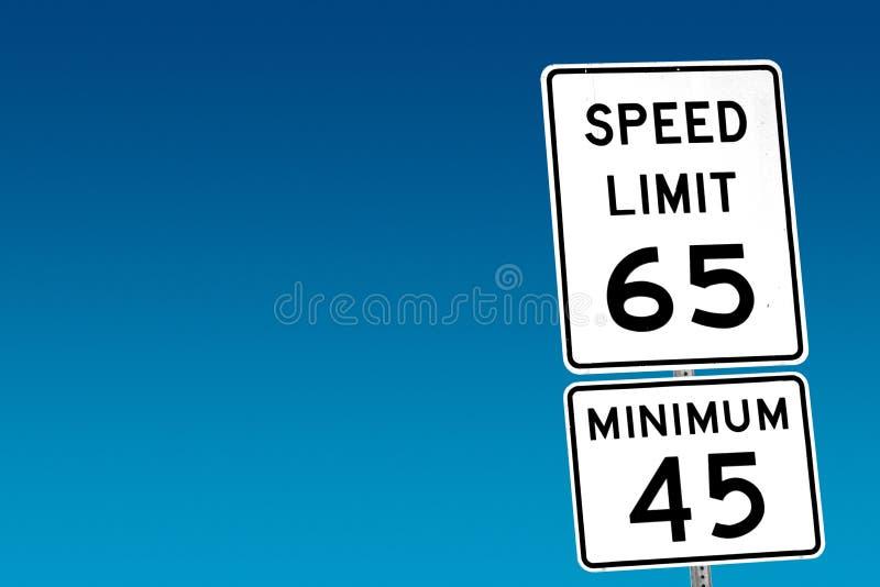 Höchstgeschwindigkeit 65 - Minimum 45 lizenzfreies stockbild