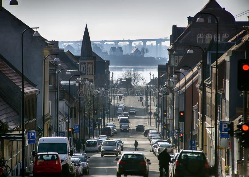 Hög övre sikt över den Fredericia staden om den härliga kalla vinterdagen royaltyfri bild