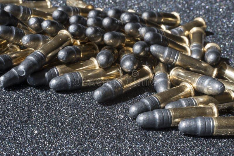 Hög av ammunitionar royaltyfri fotografi