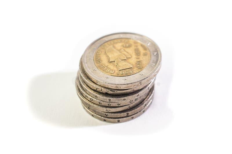 Hög av 2 euro arkivfoton