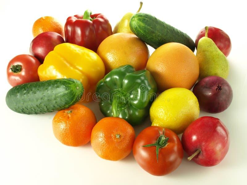 Hög av frukter och grönsaker arkivfoton