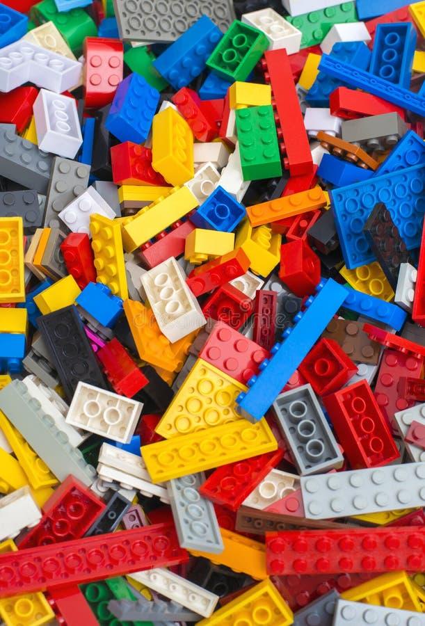 Hög av Lego tegelstenar arkivbilder