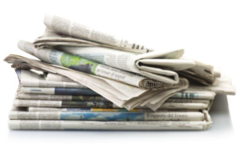 Hög av olika tidningar royaltyfri fotografi