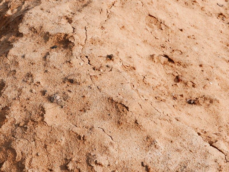 Hög av sand på fältet arkivfoton