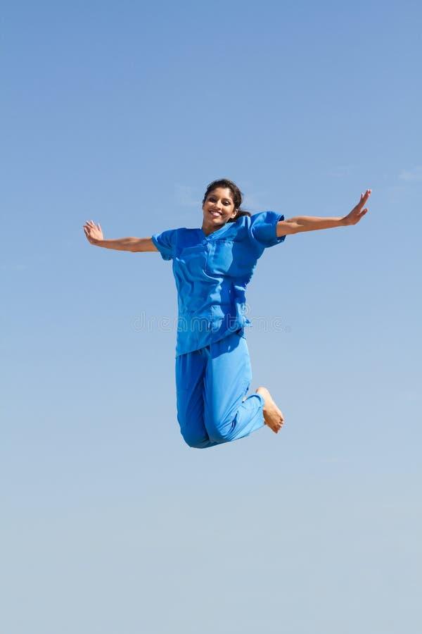 hög banhoppningsjuksköterska arkivfoto