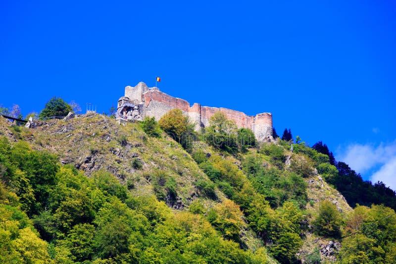 Hög fästning av Poenari royaltyfri fotografi