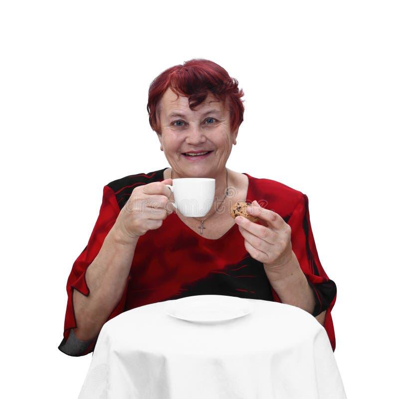 Download Hög Kvinna Med Den Kaffekoppen Och Kakan Fotografering för Bildbyråer - Bild av äta, kopp: 78731049