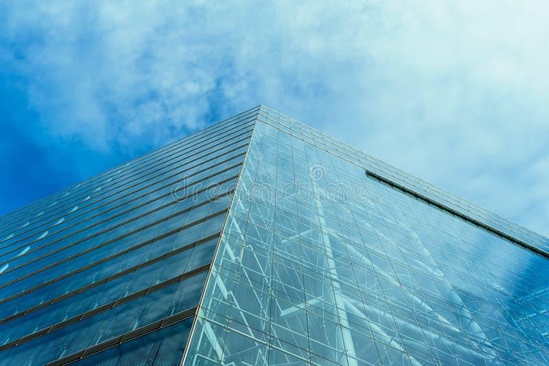 hög modern skyskrapa för byggnadsaffär royaltyfri foto