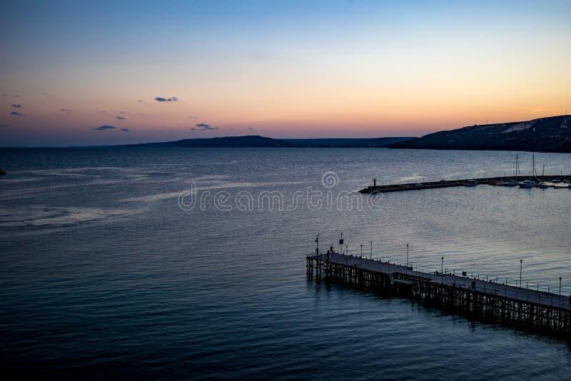 Hög sikt in mot Black Sea från Balchik, Bulgarien royaltyfri bild