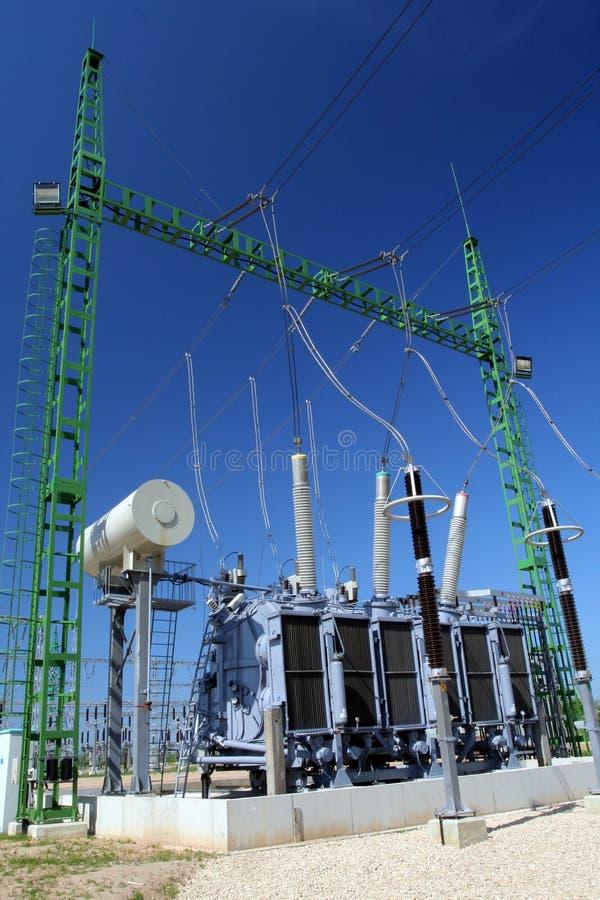 hög transformatorspänning arkivfoton